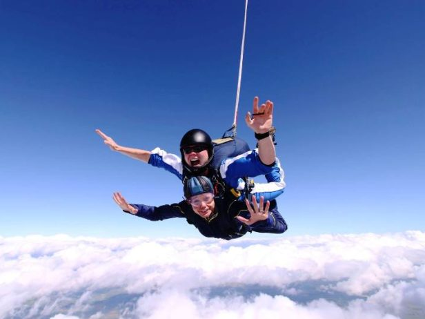 Meire Skydiving June 2016